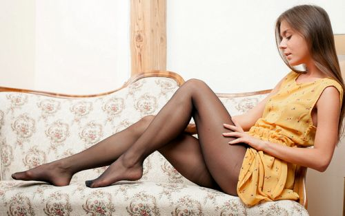 молоденькая домохозяюшка порно фото