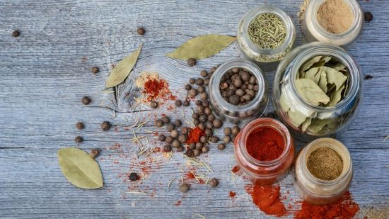 Herbalism : Complete Guide To Spices & Spice Blending