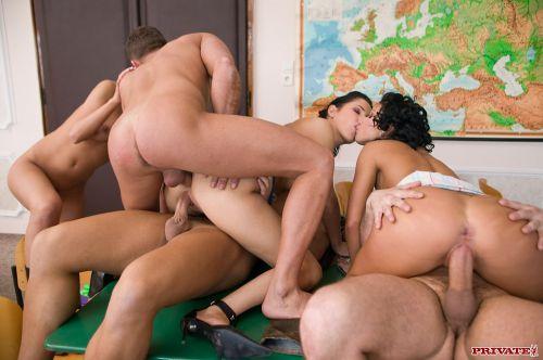 Порно фото private